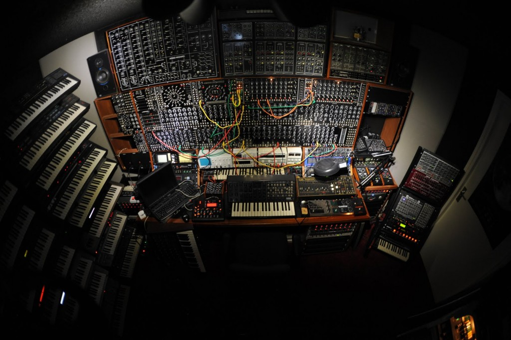 synth-cave-modular